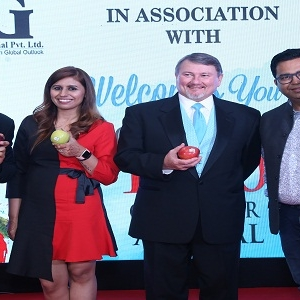 IG International Celebrated Arrival of 1000th Container for Apples from Stemilt Growers