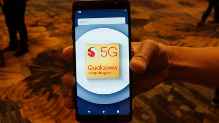 Qualcomm-Samsung Showcasing their inline 5G Phones For 2019.